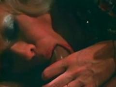 Amateur blonde cougar seduces big cock for deepthroat blowjob in retro porn